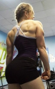 the_super_strong_girl_with_640_27_580